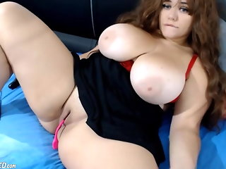 amateur webcam babe