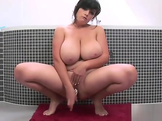 big tits shower bbw