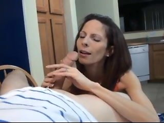 licks mom sucks